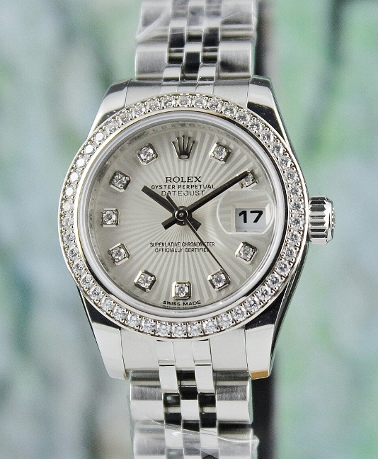 A ROLEX LADY OYSTER PERPETUAL DATEJUST / ORIGINAL DIAMOND BEZEL / 179384