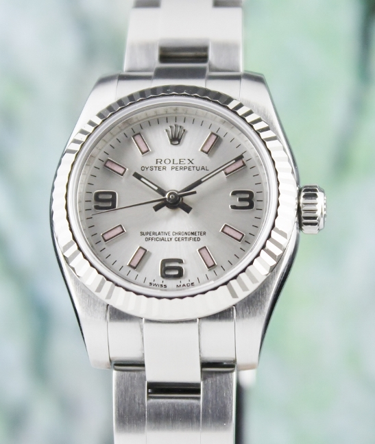 A ROLEX LADY SIZE STAINLESS STEEL OYSTER PERPETUAL / 176234