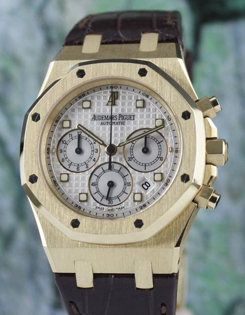 Like New AP Royal Oak 18K Yellow Gold Chronograph Watch / 26022BA.OO.D088CR.01