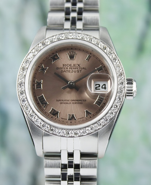 A ROLEX LADY SIZE OYSTER PERPETUAL DATEJUST / 69174