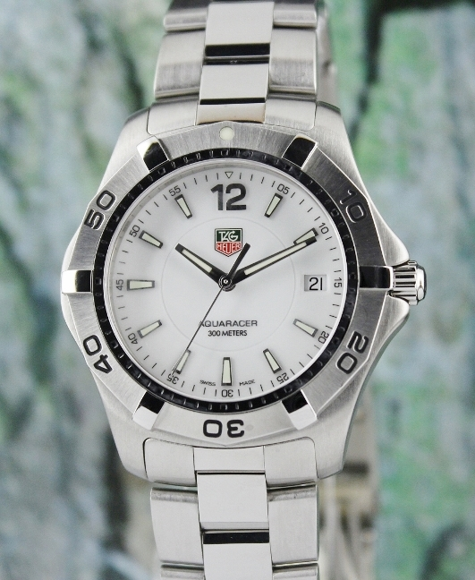 A STAINLESS STEEL TAG HEUER AQUARACER AUTOMATIC WATCH / WAF1111