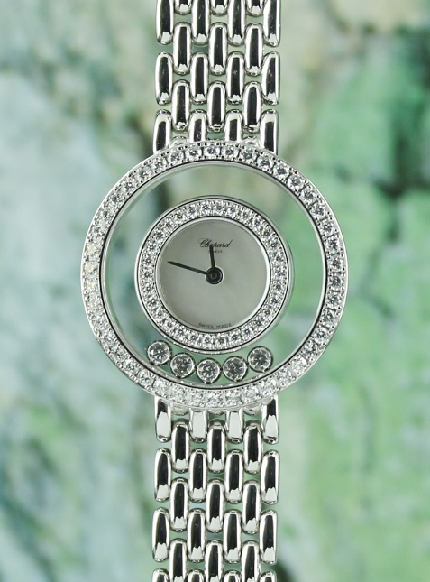 A CHOPARD HAPPY DIAMOND 18K WHITE GOLD DIAMOND WATCH / 205691