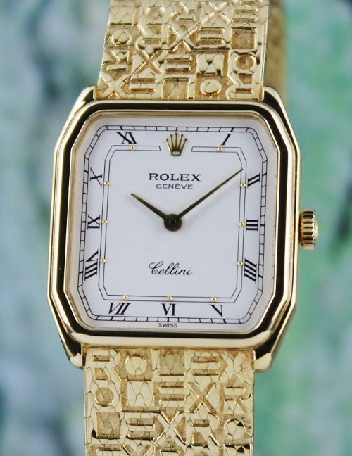 A ROLEX 18K YELLOW GOLD LADY SIZE MANUAL WINDING CELLINI WATCH / 4942