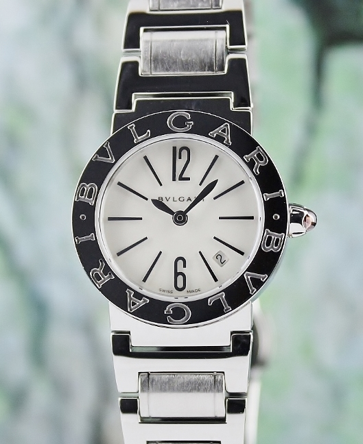 LIKE NEW BVLGARI STAINLESS STEEL QUARTZ LADY SIZE WATCH