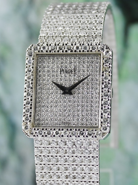 A PIAGET 18K WHITE GOLD PROTOCOLE DIAMOND WATCH / 9150 B2